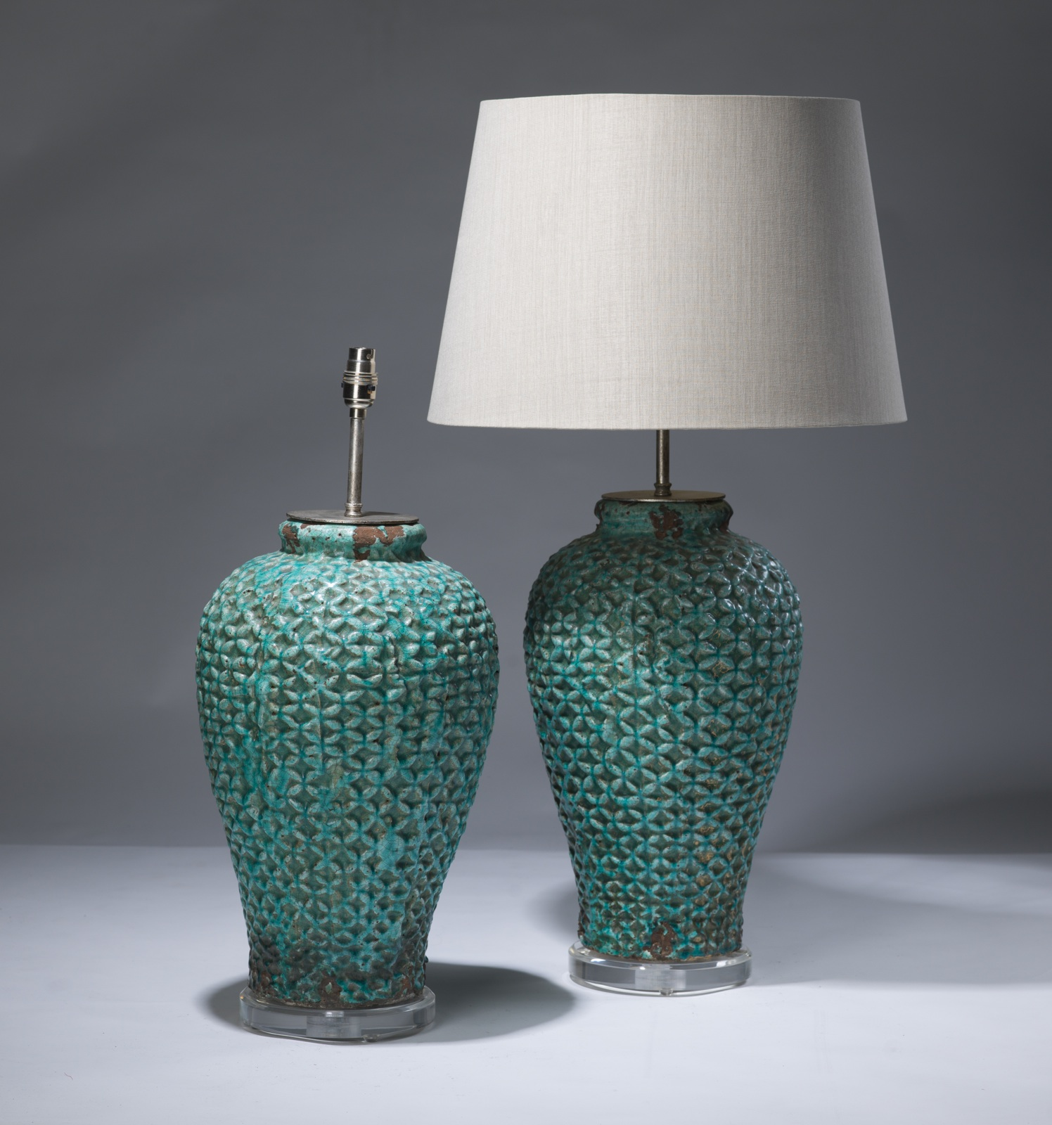 Blue ceramic table lamps - Pair Of Large Blue Mesh Ceramic Lamps On Perspex Bases T3126 Tyson