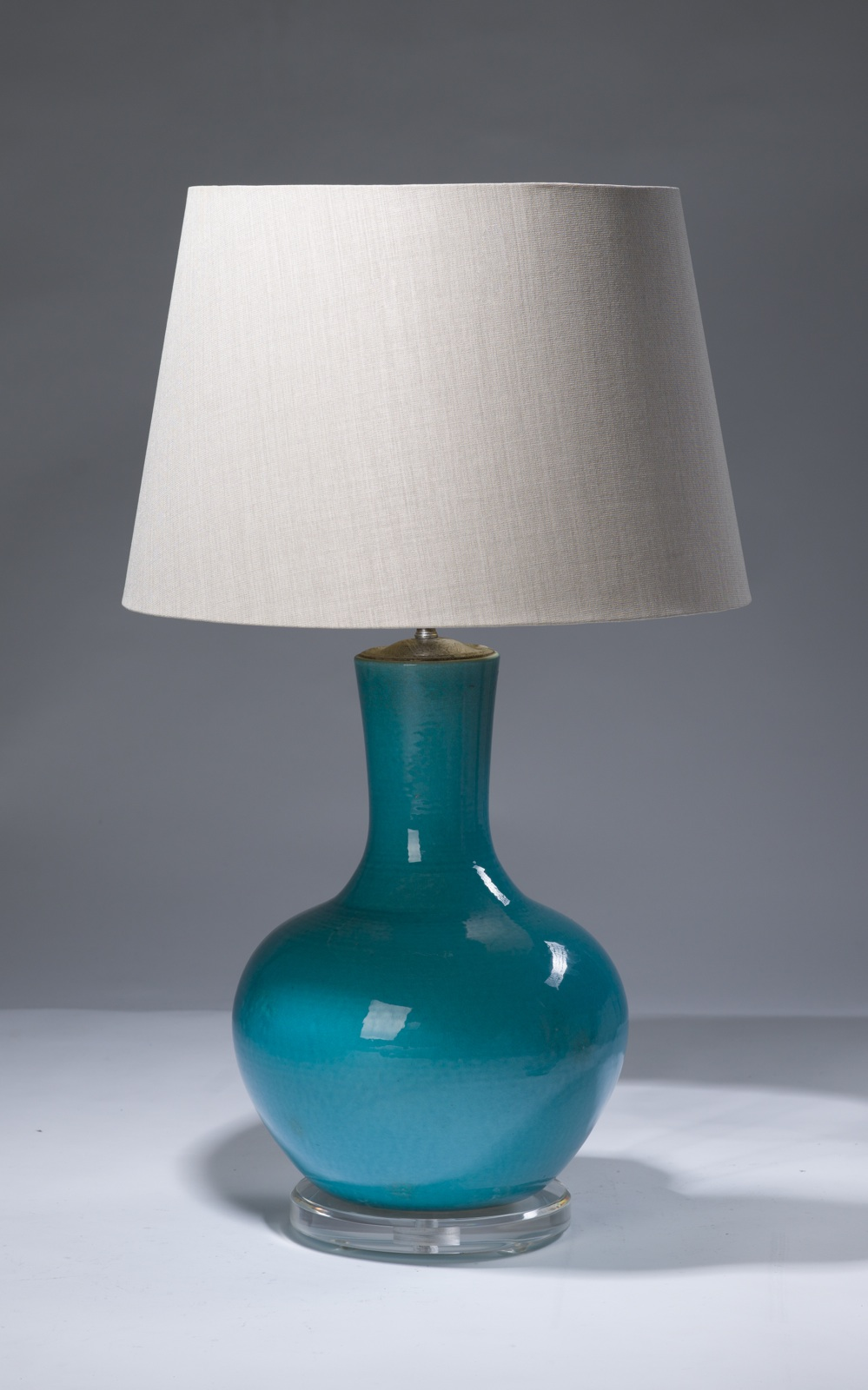 Single Medium Blue Ceramic Lamp On Perspex Base T3131