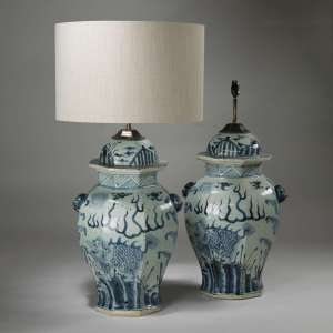 Pair of large blue and white hexagonal lamps (T3908)