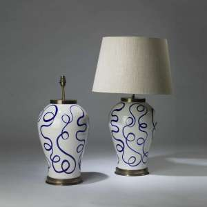 Pair of large ceramic  blue white 'Spaghetti' lamps on round brass bases (T4141)
