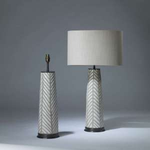 Pair of medium white and grey 'Fearne' ceramic lamps on round bronze bases (T4166)