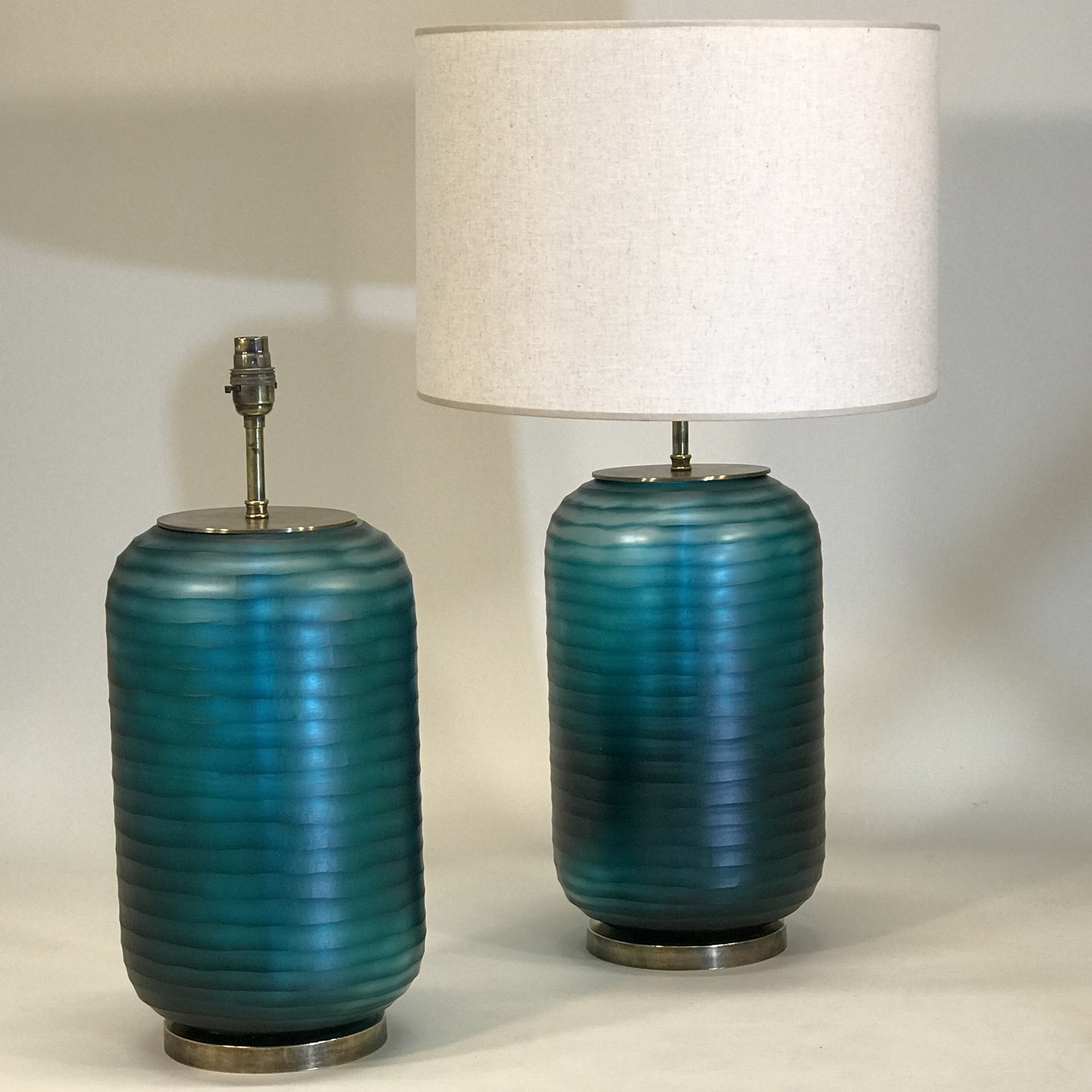 Picture of: Pair Of Large Turquoise Cut Glass Lamps On Antique Brass Bases T5154 Tyson London Decorative Lighting And Furniture