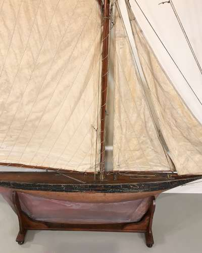 Fabulous very large English pond yacht with great slim hull circa 1930