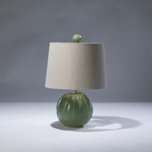 single small green glass ball lamp with matching finial (T3020)