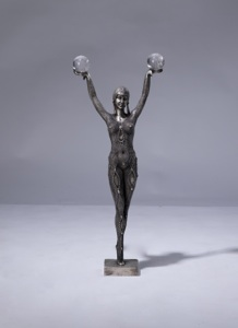 single silvered bronze and rock crystal ball figure (T3250)