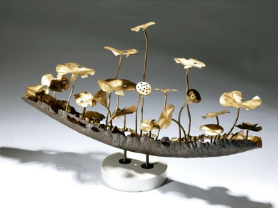 wrought iron 'flower boat' on marble stand (T3259)