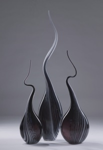 black white 'squiggle vase' (T3335)