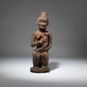 Antique wooden tribal breastfeeding mother Sculpture (T3831)