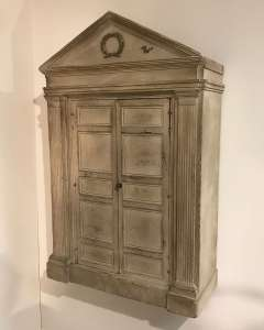 19th century English wall cabinet with wonderful classical design (T4563)