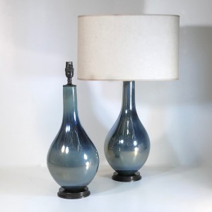 pair of small blue iridescent glass tear drop lamps on brown bronze bases (T4719)