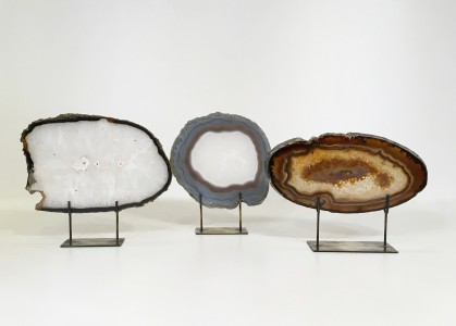 Small Medium Agate Slices On Distressed Bronze Stands (T4751)